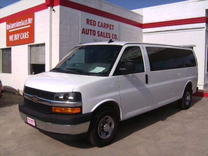 2018 WHITE /GRAY Chevrolet Express LT 3500 Extended (1GAZGPFG5J1) with an 6.0L V8 OHV 16V FFV engine, Automatic transmission, located at 503 West Court, Seguin, TX, 78155, (830) 379-3373, 29.568621, -97.969803 - Photo #0