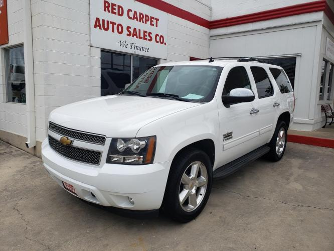2013 Chevrolet Tahoe LS 2WD (1GNSCAE09DR) with an 5.3L V8 OHV 16V FFV engine, 6-Speed Automatic transmission, located at 503 West Court, Seguin, TX, 78155, (830) 379-3373, 29.568621, -97.969803 - Photo #0