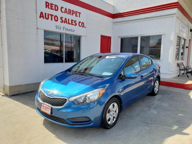 2015 Blue Kia Forte EX (KNAFX4A60F5) with an 1.8L L4 DOHC 16V engine, 6-Speed Automatic transmission, located at 503 West Court, Seguin, TX, 78155, (830) 379-3373, 29.568621, -97.969803 - Photo #0